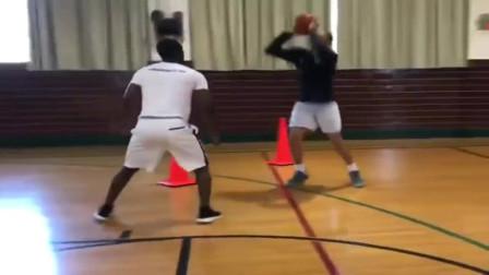美国篮球学校更注重爆发力和敏捷性训练,教练主要是引导和鼓励