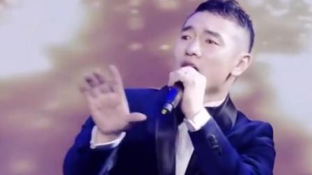 2019最火爆的三首网络情歌,首首催泪,当音乐响起时已忍不住泪奔