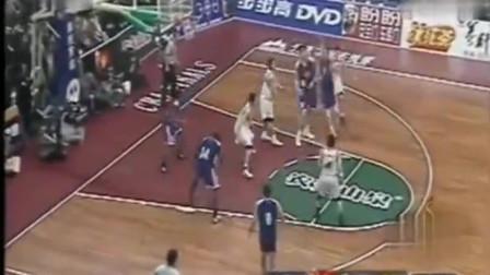 C*A总决赛历史经典一战 姚明砍下51分21篮板刘玉栋砍53