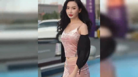 武汉街拍:身材与颜值,你会选哪个?
