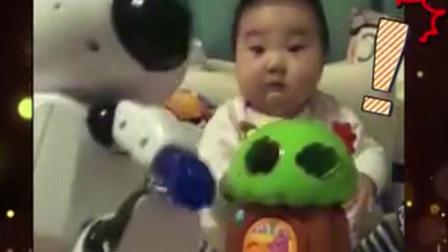家庭幽默录像:宝宝的神奇特技,笑容杀伤力太