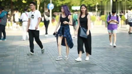 武汉街拍: 时尚女孩就是会穿搭,衣服随便那么一