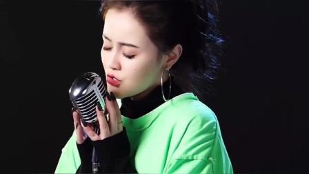 美女翻唱一首网络红歌《大眠》唱的真好听!