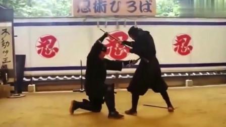 真正的日本忍术是什么样的?日本忍者大师亲自示范,看完有点懵