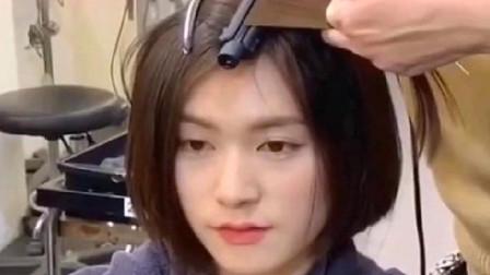 美女头发贴头皮,理发师只烫了发根,没想到效