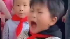 爆笑:全村最靓的崽,这3岁小孩火了,没得说呀