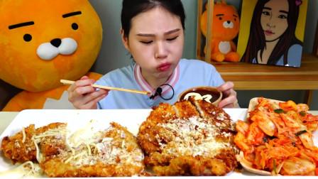 韩国美女吃播,大口大口吃炸猪排、意大利面,