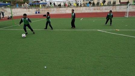 看看西藏小学生的足球水平