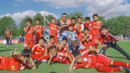 中国足球小将超远距离进球合集!这群孩子个个都像卡洛斯!