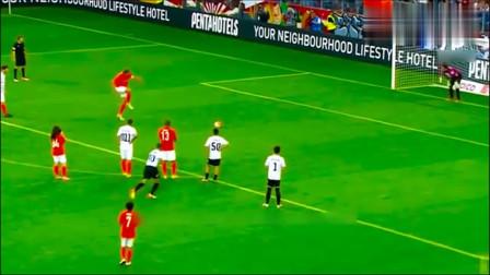 笑到肚子疼,足球史上最搞笑的点球,原来点球也能这么花哨