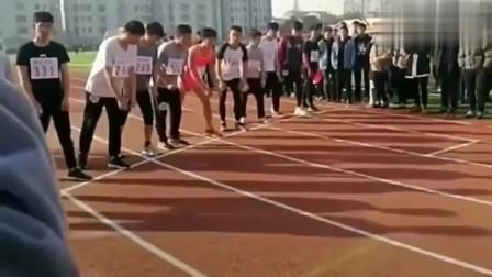 哈哈 笑晕!我们班的体育健将,每次比赛都让他们先跑五十米