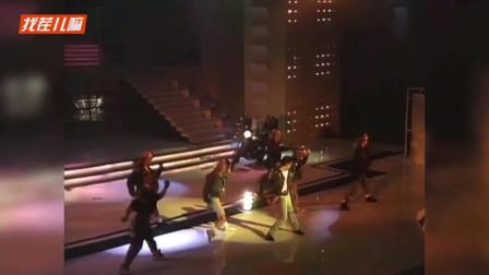 27岁的杜德伟,凭借这首歌拿下89年劲歌金曲最佳音乐录影带奖!