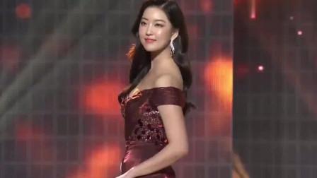 二十多岁的韩国美女,出众的气质与魅力,韵味十足