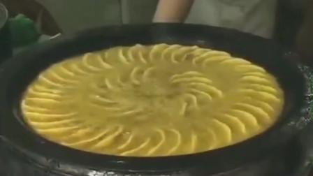 油炸饺子的油是这样处理的,大厨不愧是位牛人