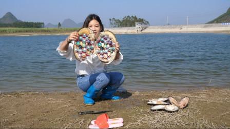 农村美女水库捞到10年老河蚌,暴力破开后,结果