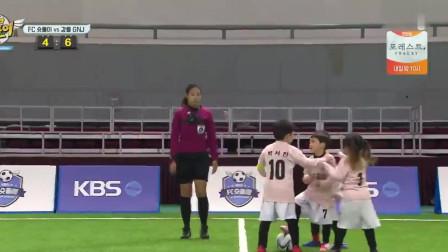 看了韩国小朋友踢的任意球,觉得中国足球真的没法比,差太多了