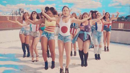 【可爱高跟热舞】12个国家妹子穿国旗超强Jazz齐舞Mi Gente