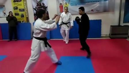 武术:难得一见,日本忍术对战空手道