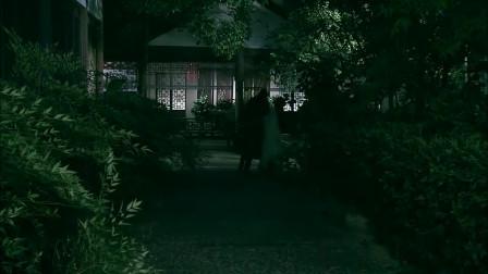 美女送武松回房间,哪料竟被武松拒绝,下秒灰