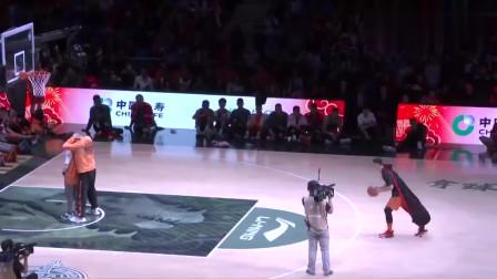 c*a全明星扣篮大赛夺冠,看完你就知道中国篮球