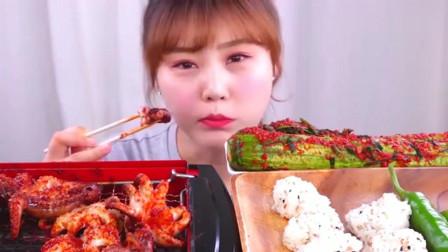 韩国大胃王美女今天吃麻辣烤小八爪鱼,一口一