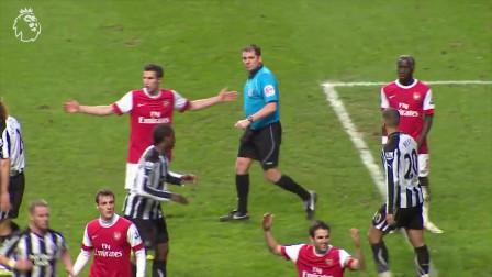 阿森纳vs纽卡斯尔英超联赛,鲍比·罗布森靠一臂之力超越了英超