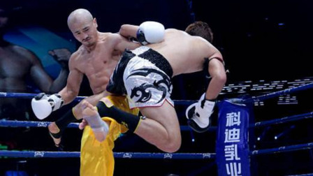 韩国高手嘲讽中国功夫像中国足球,一龙将他当沙包踢,1脚踢飞!