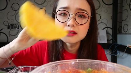 哎哟阿尤上海美女吃播,这回吃上韩国泡菜汤了