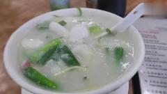 香港美食:老档口妹记生滚海鲜粥,一碗没有米