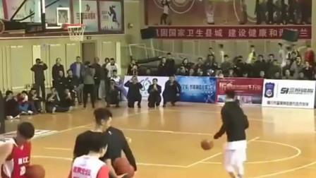 这是中国民间的扣篮大赛 不知道C*A的总经理看到会怎么样!