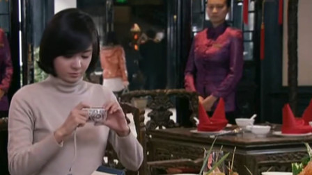 外国美女来成都,一看川菜顿时走不动步,这才叫美食!