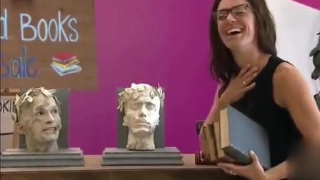 搞笑恶搞 吓死人雕像活了 大妈吓得嗷嗷叫!
