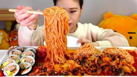 吃播:韩国美女吃货试吃辣炒章鱼,配上泡面和