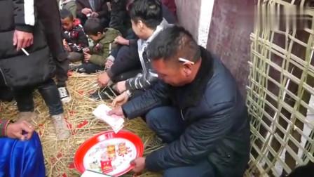 四川彝族美女出嫁,40万彩礼钱刚拿到手,就被亲