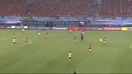 中国足球历史性一刻,广州恒大夺得亚冠冠军,真是太让人激动