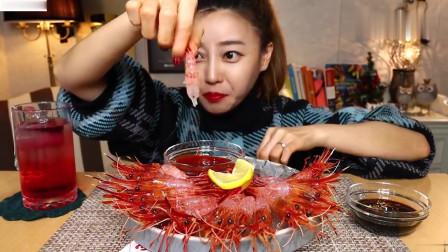 吃播:韩国美女吃货试吃独岛红花虾,肉质饱满