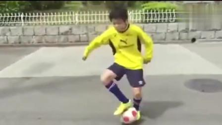 这是日本小学生的足球,这和我们的教育完全相反的