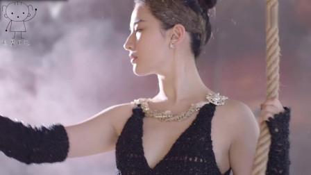 迪丽热巴刘亦菲同跳芭蕾,大秀美腿太养颜,谁才是女神,一目了然