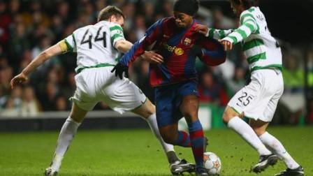 罗纳尔迪尼奥11年前惊世骇俗的进球,试问当今足