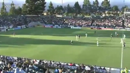 守门员创造历史,80米外开球,一脚开进对方球门