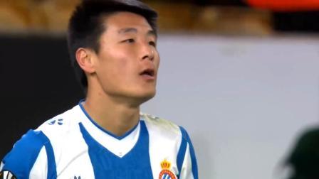 武磊2个霸气镜头,再次为中国足球争光!C罗式滞空对手大吃一惊