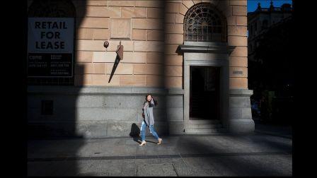 【油管字幕】 街拍纪录片   Shadows In Street