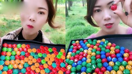 小姐姐直播吃:彩色篮球糖、水晶扣子糖,看着就过瘾,我向往的生活