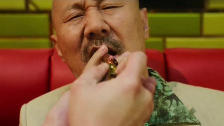 飞驰人生:尹正为拉赞助大秀钢管舞,沈腾超嫌弃,把腾格尔看哭了