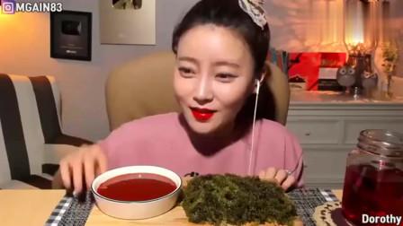 韩国大胃王美女吃海葡萄蘸酱,口感和鱼籽差不