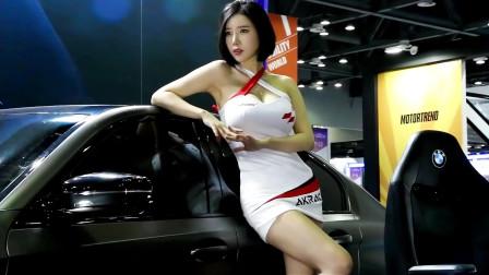 韩国车展上的美女车模,是不是你的菜,这还能
