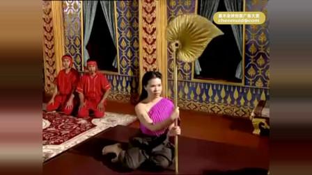 泰国有毒广告,这脑洞直接笑吐了,给点风你都
