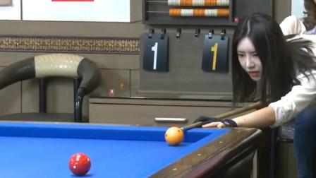 韩国美女的台球比赛,技术太棒了