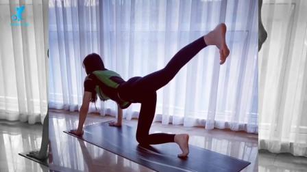 张蓝心在线教你练美腿,穿塑形衣做运动大秀傲