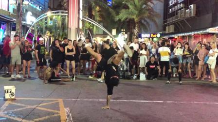 小伙泰国酒吧街偶遇小哥哥跳街舞,引众多帅哥